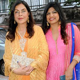 Lucknow, India-Jan 27, 2018:Film Club [  Zeenat Aman & Pragati S